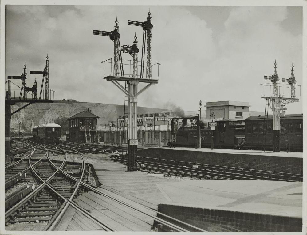 SR_Lewes_Station_vor1948.jpg