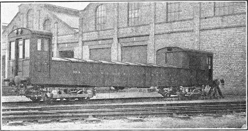 District_Railway_Battery_Locomotive_1910.jpg