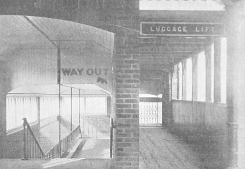 Enfield_Station_Zugangsbereich_1910.jpg