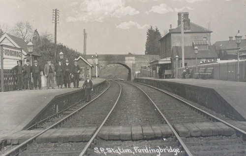 Fordingbridge_Railway_Station_1900a.jpg
