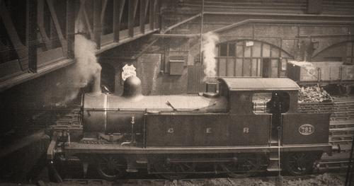 GER_M15_Class_No791_1898_Platform_LiverpoolStreet.jpg