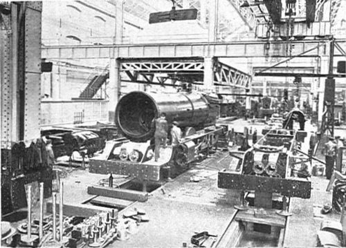 GWR_Swindon_Works_1928_KingClassConstruction.jpg