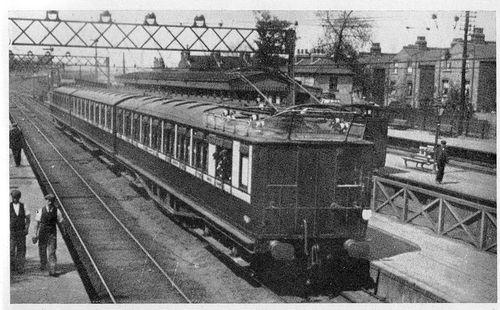 LB&SCR_EMU_Wandsworth_1909.jpg