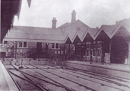 LBSCR_Croydon_Central_Station_um1890.jpg