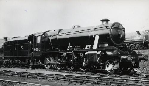 LMS_Stanier_8F_Class_8003_um1940.jpg