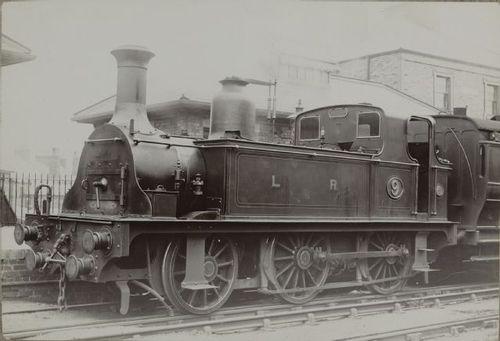 LondonderryRailway_%209_Seaham_Harbour_Station_um1880.jpg
