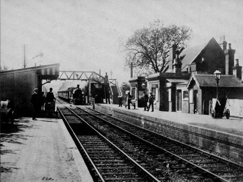 Milford_Railway_Station_vor1898_LSWR.jpg