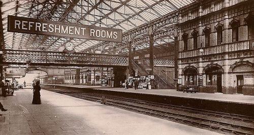 Nottingham_Victoria_Bahnsteige.jpg