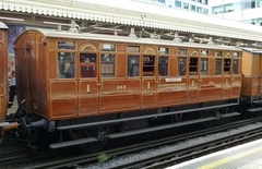MET_Jubilee_Carriage_353.jpg
