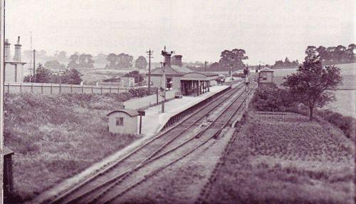 Sharnal_Street_Station_1928_SER.jpg